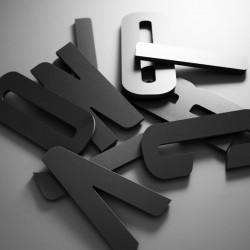 Lettres PVC Noir 10mm brutes